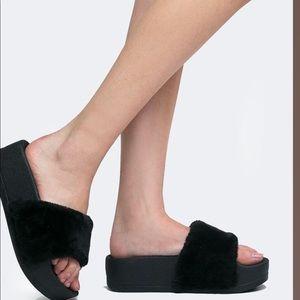 Viva Platform fussy slip on sandals